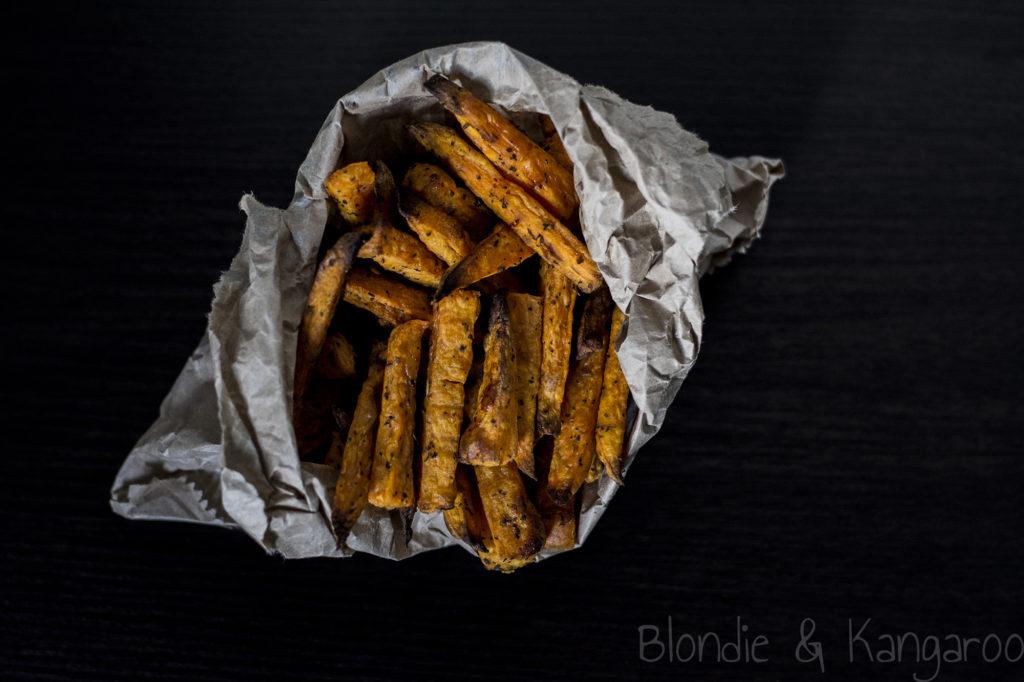 Frytki z batatów i guacamole/Sweet potato chips with guacamole