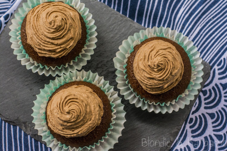 Czekoladowe babeczki dla alergików (bezglutenowe, bez nabiału, bez cukru rafinowanego)/Allergy-friendly chocolate cupcakes (gluten-free, dairy-free, refined sugar-free)