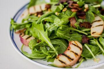 Sałatka z grillowaną nektarynką i boczkiem/Grilled nectarine salad with bacon