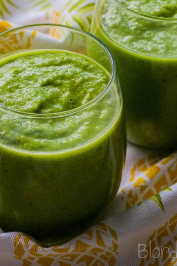 Zielony koktajl z ananasem/Green smoothie with pineapple
