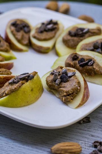Migdałowo-czekoladowa przekąska z jabłkiem/Almond chocolate apple snack