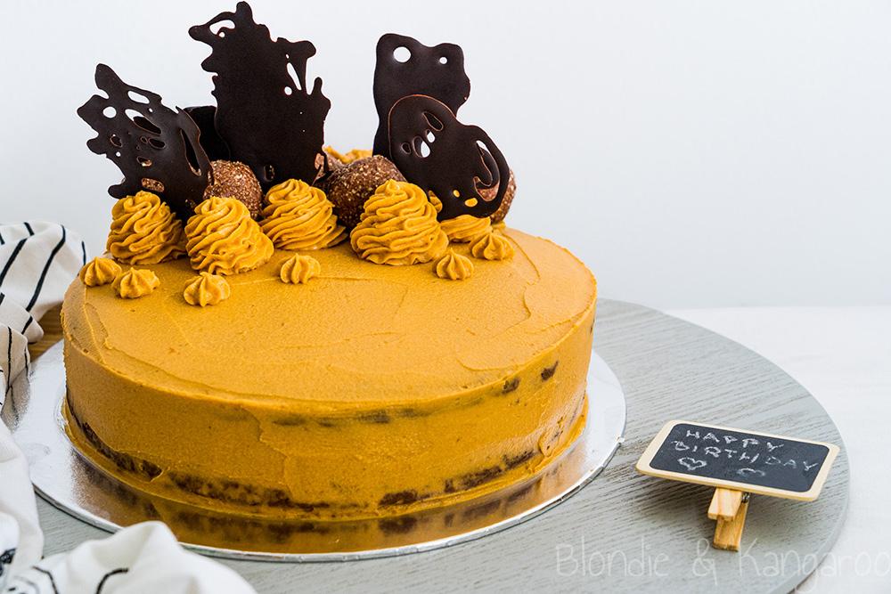 Tort czekoladowy zmasłem orzechowym ibatatem/Peanut butter chocolate cake with sweet potato