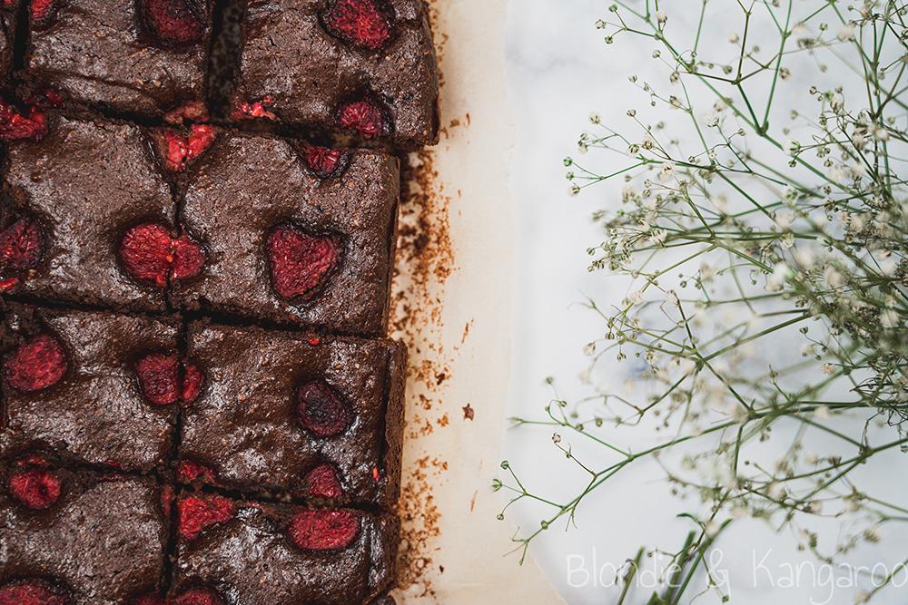 Bezglutenowe brownie z malinami/Paleo brownie with raspberries