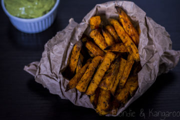 Frytki z batatów i guacamole/Sweet potato chips with guacamole