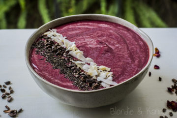 Smoothie bowl z burakiem/Beetroot smoothie bowl